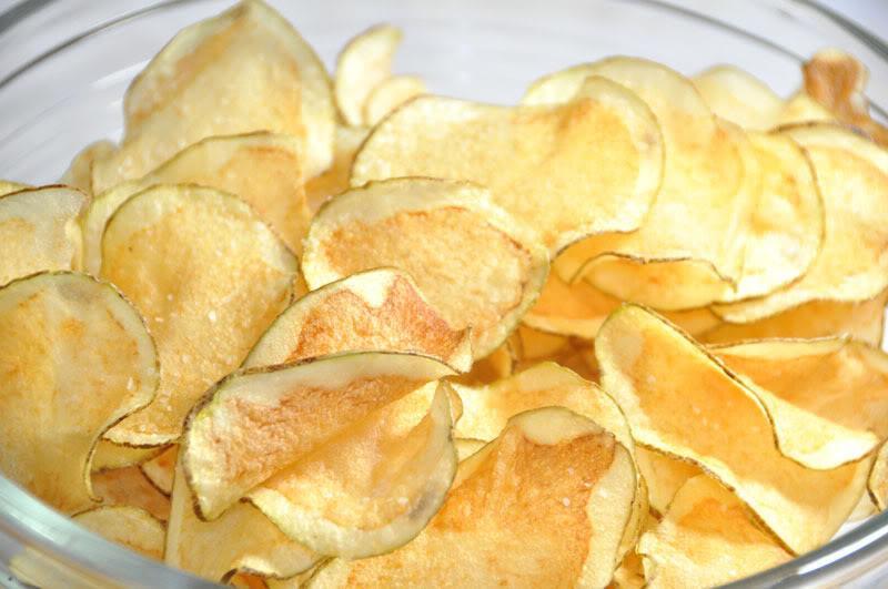Receta para preparar papas fritas caseras en horno de microondas.