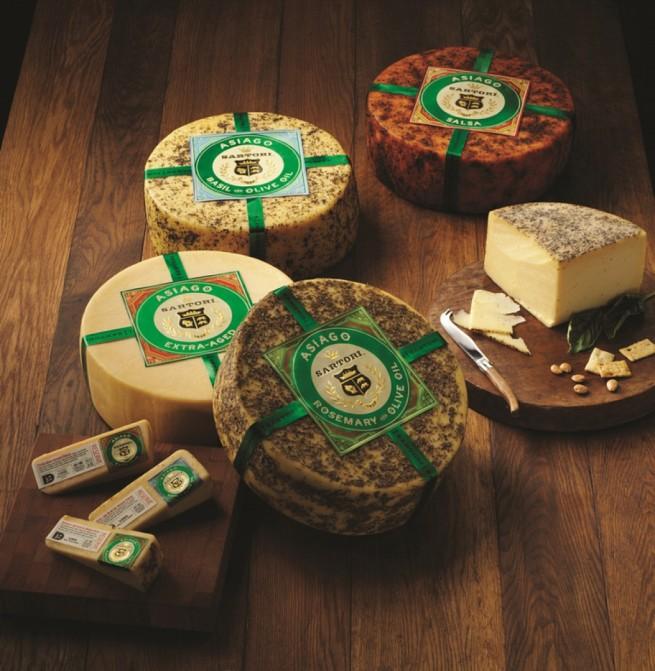 Queso-Asiago-de-Italia-uno-de-los-preferidos-del-pais-El-Portal-del-Chacinado