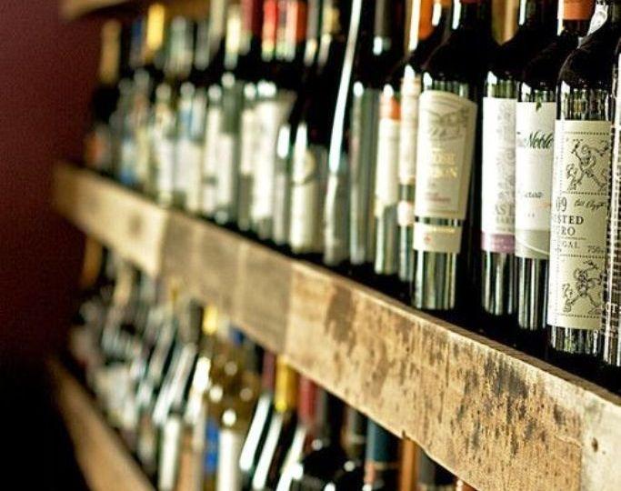 El-color-de-la-etiqueta del-vino-puede-aumentar-las-ventas-El-Portal-del-Chacinado