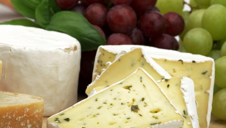 Gracias-al-alto-contenido-de-polifenoles-en-las-uvas-crean-un-queso-en-Quebec-El-Portal-del-Chacinado