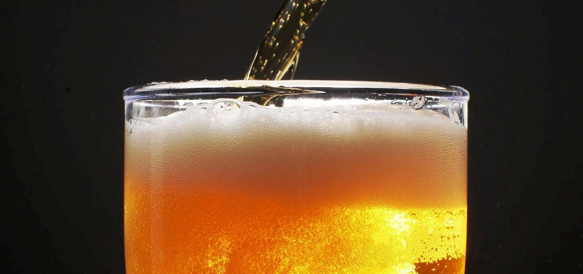 La-Rubia-al-Desnudo_El-origen-patagónico-de-cerveza-lager-El-Portal-del-chacinado