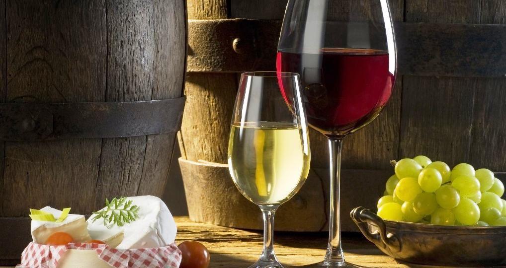 Nuevas-barricas-aromatizadas-para-guardar-el-vino-de-crianza-El-Portal-del-Chacinado-