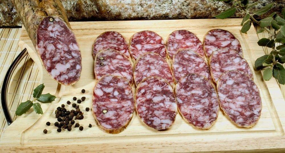 Que-ingredientes-lleva-un-salchichon-El-Portal-del-Chacinado