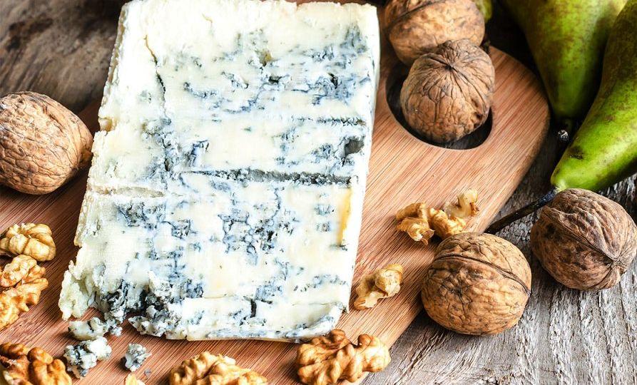 Queso-Gorgonzola - Conocido-como-stracchino-verde-El-Portal-del-Chacinado