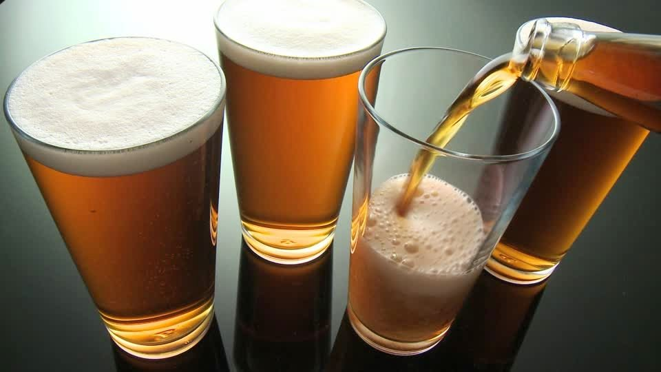 aprender-cata-ale-corona-de-espuma-vaso-de-cerveza-el-portal-del-chacinado