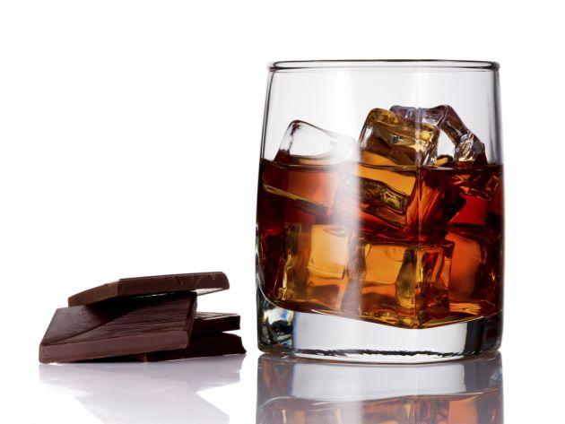 como-maridar-un-whisky-chocolate-el-portal-del-chacinado