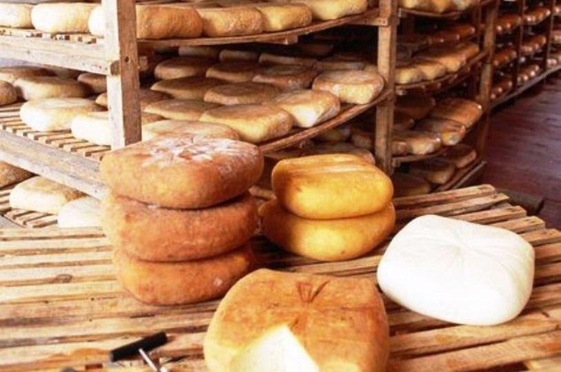 queso-Mahon-Menorca-El-Portal-del-Chacinado-